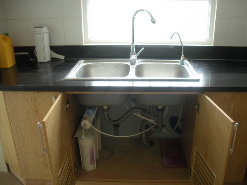 Thay thế nước đóng chai bằng máy lọc nước gia đình để tiết kiệm chi tiêu
